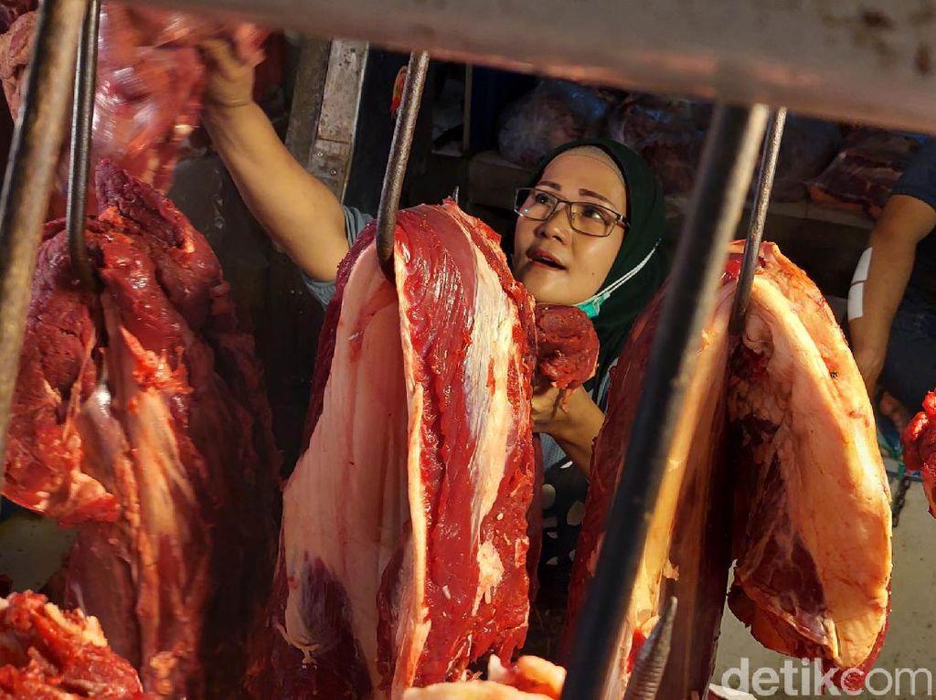 Hari Meugang di Aceh, Pedagang Daging Curhat Jualannya Tak Laku