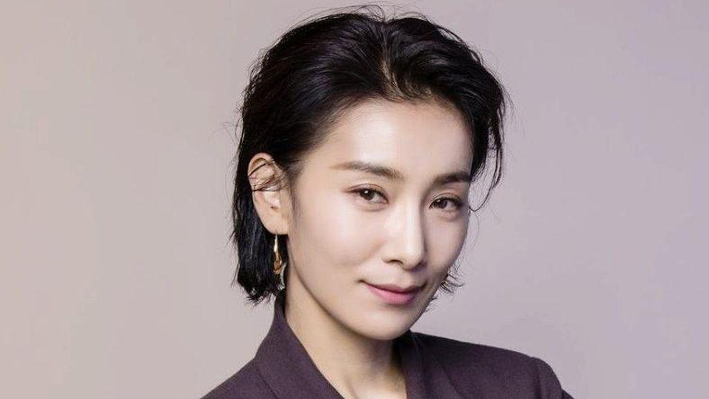 8 Potret Kim Seo Hyung, Bintang Drakor Mine yang Populer di Sky Castle