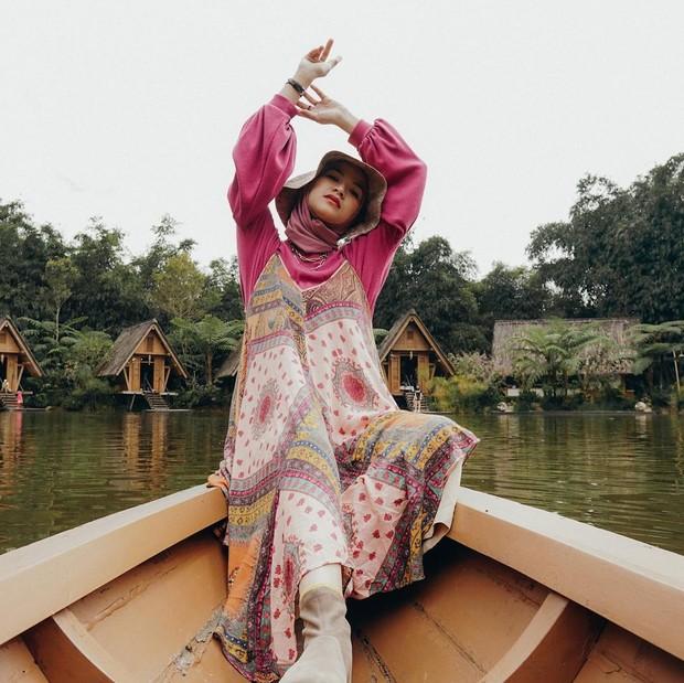 Marsha Natika dengan overall dress motif cantik/instagram.com/marshanatika