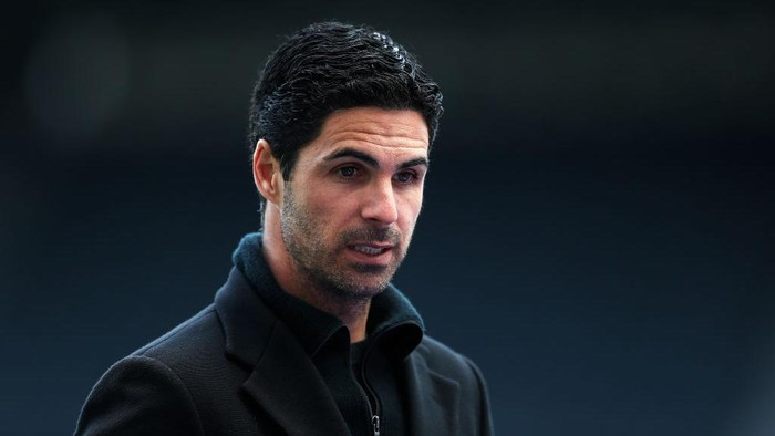 NEWCASTLE UPON TYNE, ENGLAND - MAY 02: Mikel Arteta, Manager of Arsenal looks on during the Premier League match between Newcastle United and Arsenal at St. James Park on May 02, 2021 in Newcastle upon Tyne, England. Sporting stadiums around the UK remain under strict restrictions due to the Coronavirus Pandemic as Government social distancing laws prohibit fans inside venues resulting in games being played behind closed doors. (Photo by Lee Smith - Pool/Getty Images)