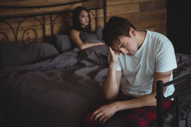 Rasa trauma yang timbul akibat putus cinta bisa terjadi karena beberapa penyebab. Misalnya, penyebab yang paling umum terjadi adalah perselingkuhan.