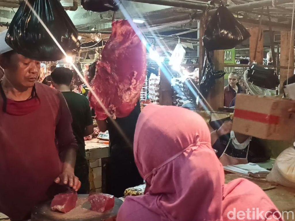 Jelang Lebaran, Harga Daging Sapi di Pasar Rancaekek Bandung Melonjak