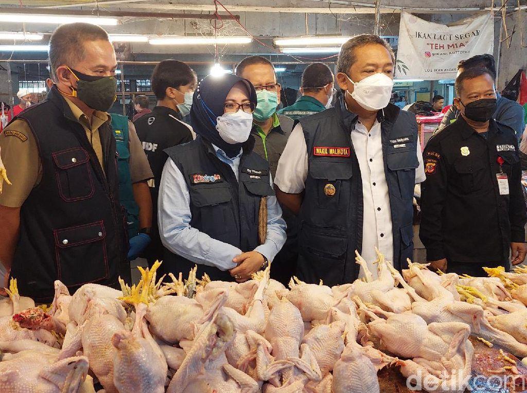 Jelang Lebaran, Harga Daging Ayam-Sapi Naik di Pasar Bandung