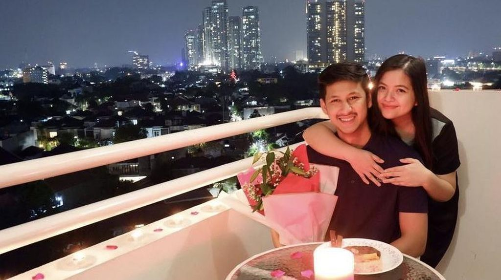 Romantisnya Tasya Kamila Saat Candle Light Dinner dengan Sang Suami