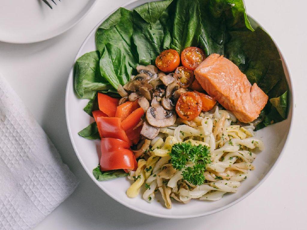 5 Tips Makan Sehat saat Lebaran agar Tubuh Tetap Bugar