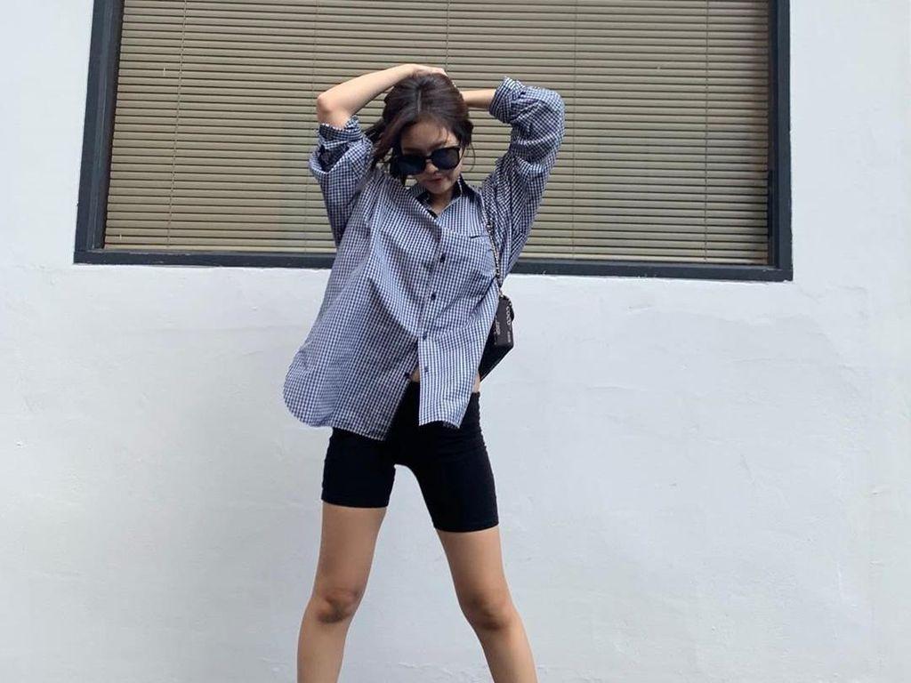 Gaya Jennie BLACKPINK dan 10 Idol KPop Pakai Celana Biker, Tren di Korea