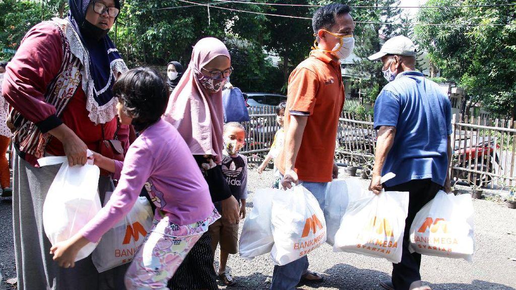 Bank Mega Syariah Berbagi Kebahagiaan Ramadhan