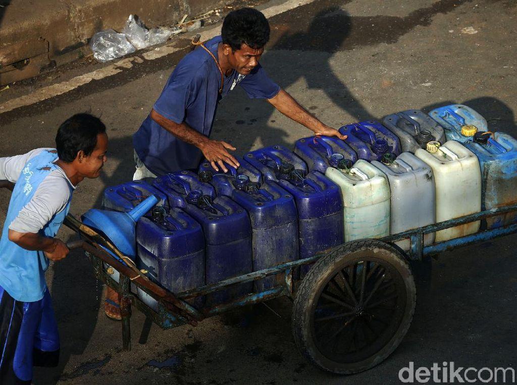 Berkah Ramadhan, Penjual Air Bersih Keliling Raup Untung