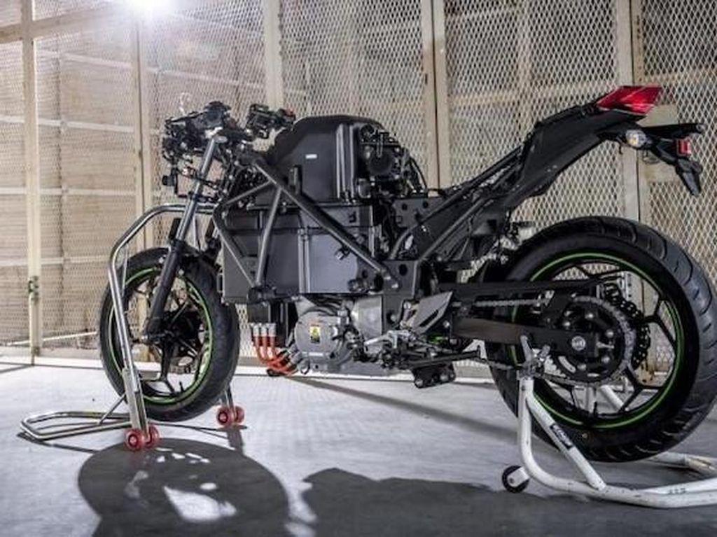 Kawasaki Akan Alihkan Fokus ke Motor Listrik Mulai 2030