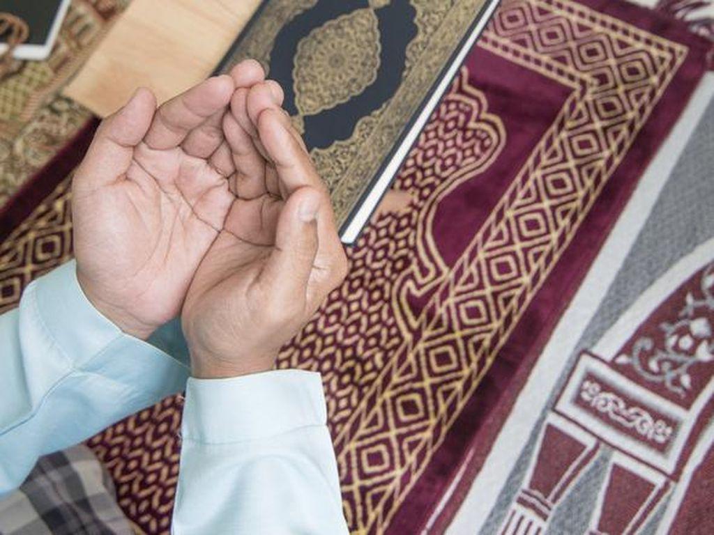Doa Iftitah, yang Dilafalkan Usai Bacaan Takbiratul Ihram Versi Latin