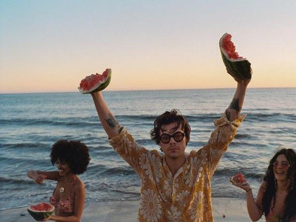 Harry Styles Ternyata Penggemar Berat Roti, Paling Doyan Bagian Roti Ini