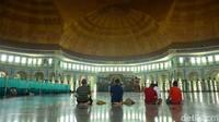 Masjid Kubah Tanpa Penyangga Ini Kebanggaan Tangerang
