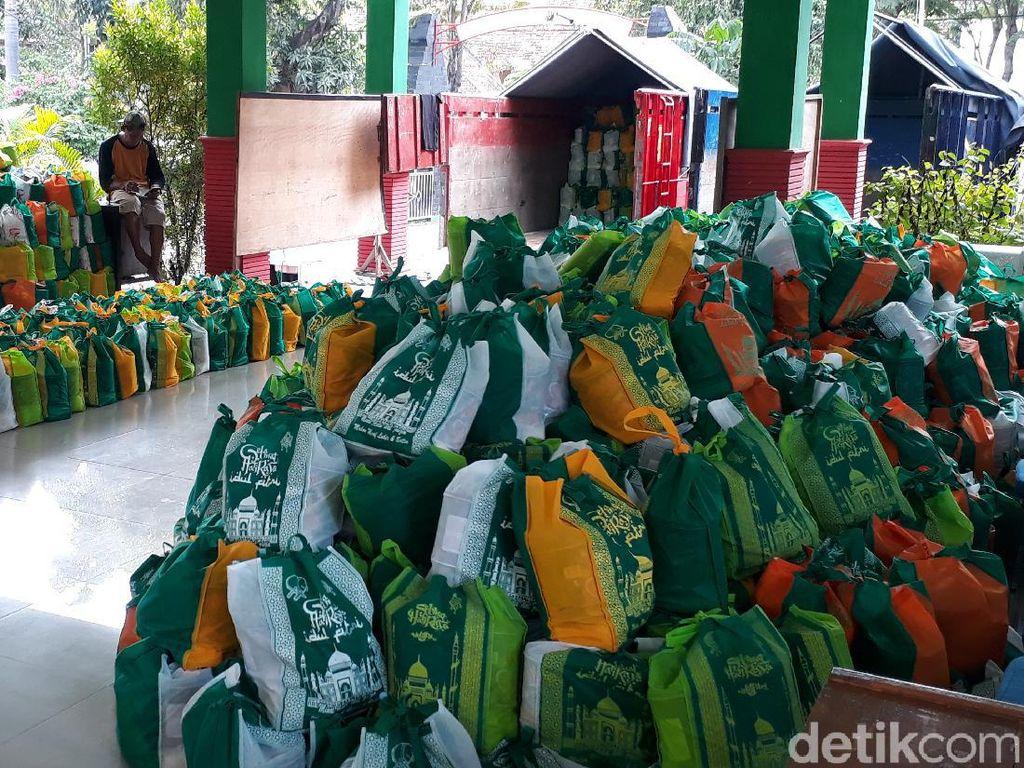 29.005 Paket Bansos Dibagikan ke Personel Pemutus Rantai COVID-19 Bojonegoro