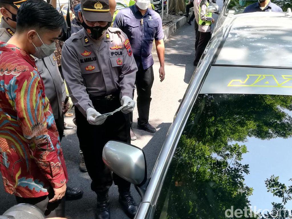 Travel Gelap Angkut 11 Penumpang Asal Jakarta Disetop di Solo