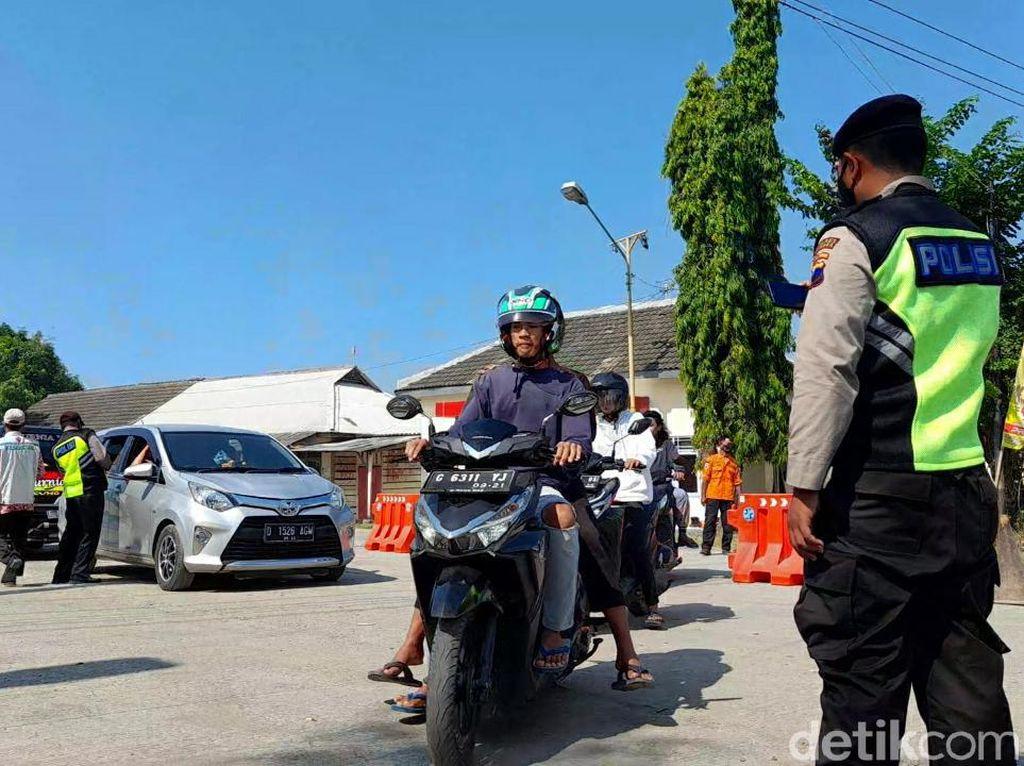 2.082 Kendaraan Diputar Balik dari 2 Pos Penyekatan Mudik Brebes