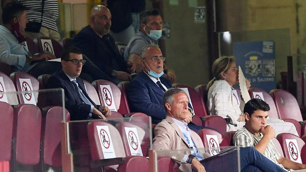 SALERNO, ITALY - JULY 24: Claudio Lotito US Salernitana CoPresident and his family look on from the stands during the serie B match between US Salernitana and FC Empoli at Stadio Arechi on July 24, 2020 in Salerno, Italy. (Photo by Francesco Pecoraro/Getty Images for Lega Serie B)