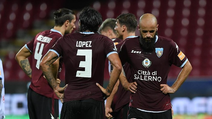 SALERNO, ITALY - JULY 24: Ramzi Aya of US Salernitana looks  disappointed during the serie B match between US Salernitana and FC Empoli at Stadio Arechi on July 24, 2020 in Salerno, Italy. (Photo by Francesco Pecoraro/Getty Images for Lega Serie B)