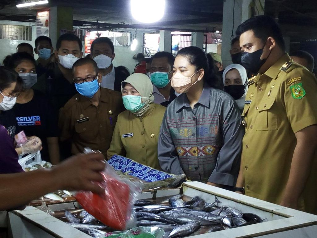 Bobby Nasution Cek Harga Pangan di Pasar Petisah Medan Jelang Lebaran