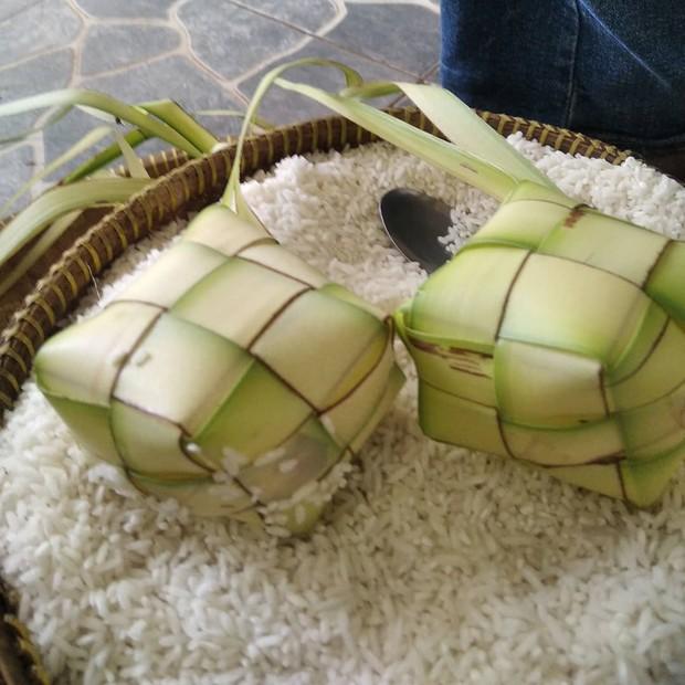 Bahan dasar ketupat sebaiknya dibuat dengan beras pulen/instagram.com/rosenocen