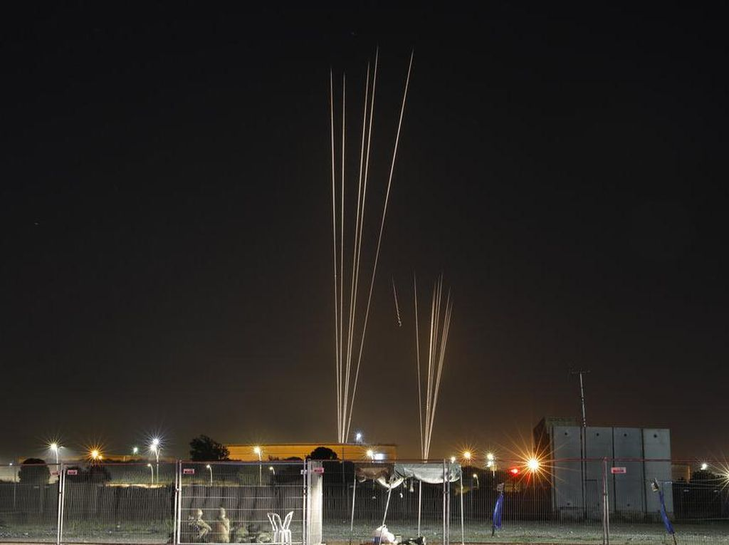 Israel Gempur Posisi Hamas di Gaza Usai Diserang Roket