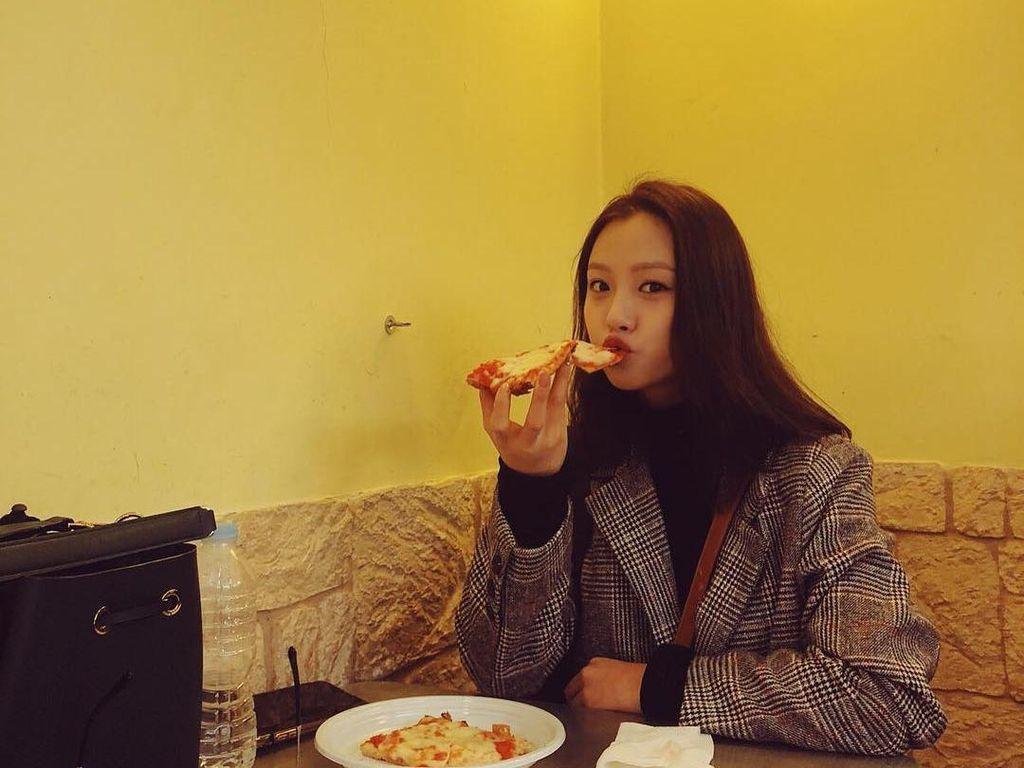Cantiknya Go Min Si Pemeran Youth of May Saat Kulineran