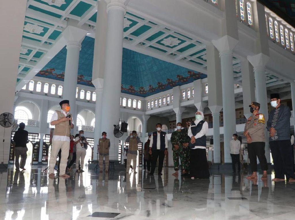 Gubernur Khofifah Larang Warga Takbir Keliling