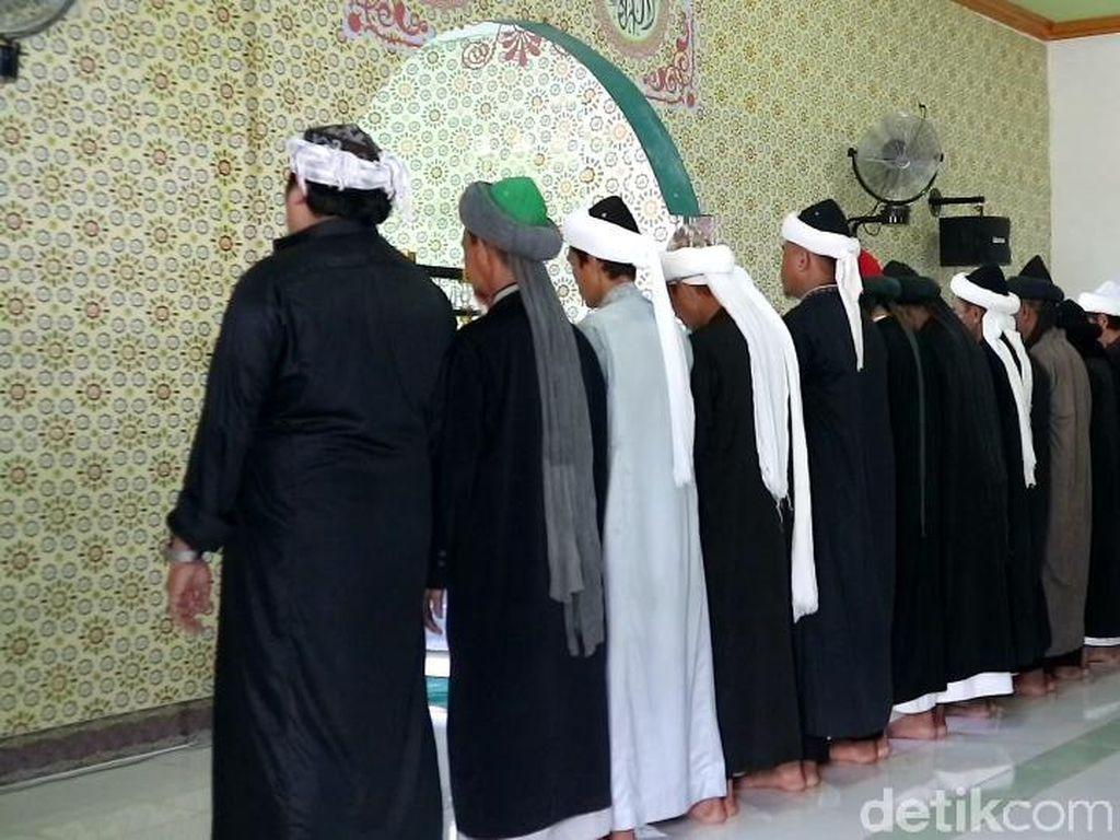 Lebaran Duluan, Jemaah Latiful Akbar di Bone Salat Id2021 Hari Ini
