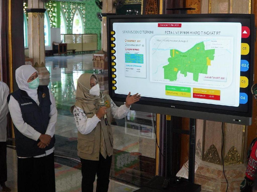 Khofifah & Walkot Mojokerto Cek Masjid Agung, Minta Warga Patuh Prokes
