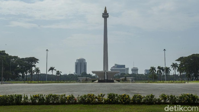 Kawasan Monas, Jakarta, akan ditutup selama libur Lebaran. Hal itu dilakukan sejak PPKM Mikro pada Maret 2021 lalu.
