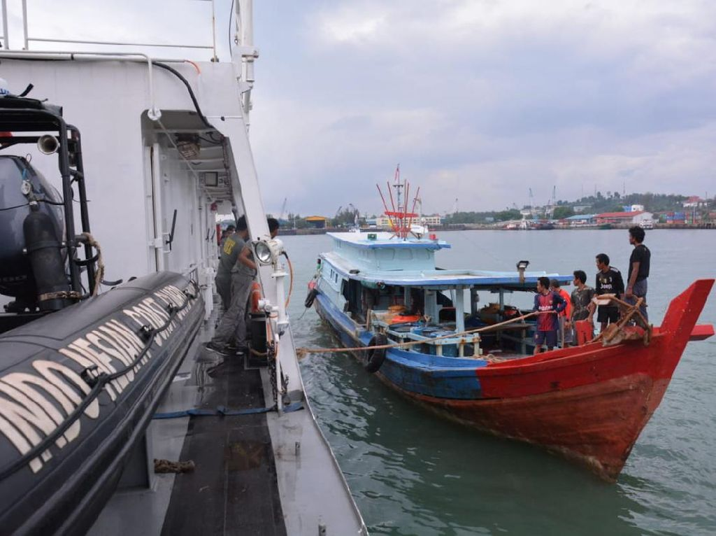 Sempat Ditangkap Malaysia, 8 Nelayan Indonesia Dijemput Bakamla