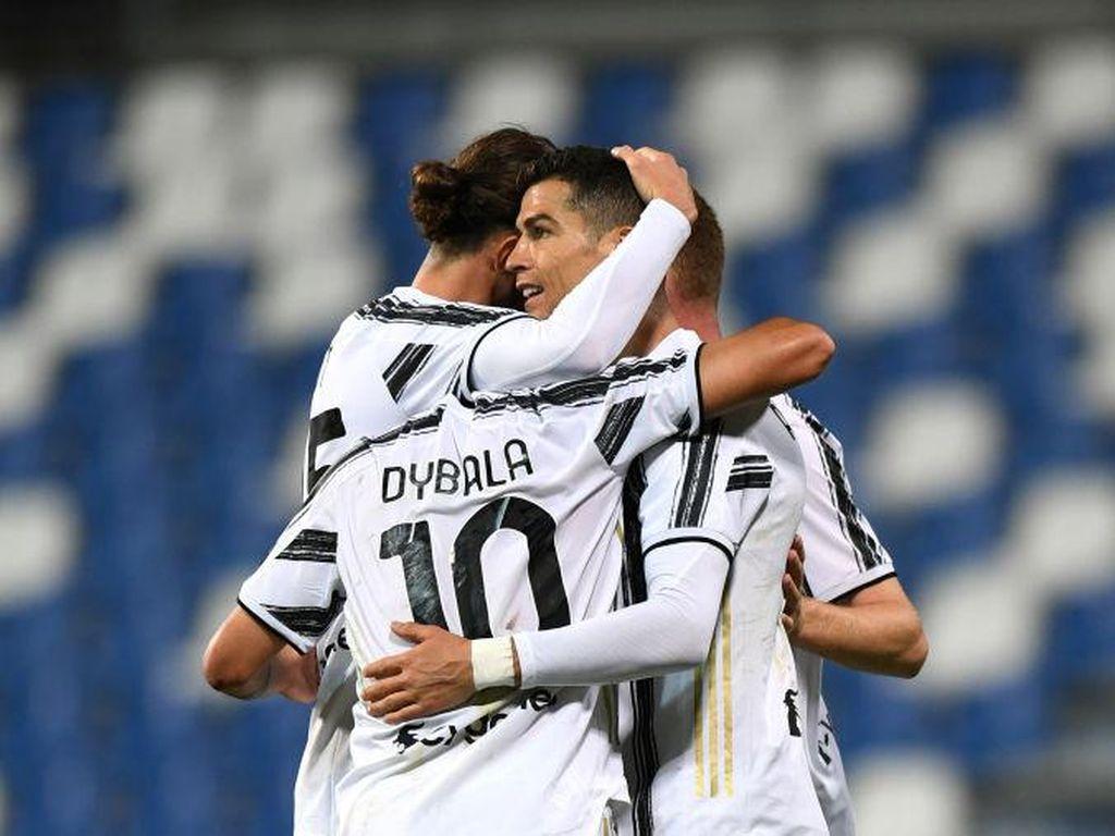 Selamat! Ronaldo dan Dybala Sudah 100 Gol di Juventus