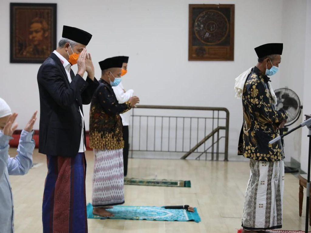 Idul Fitri dan Kenaikan Isa Almasih Bersamaan, Ganjar: Berkah Indonesia