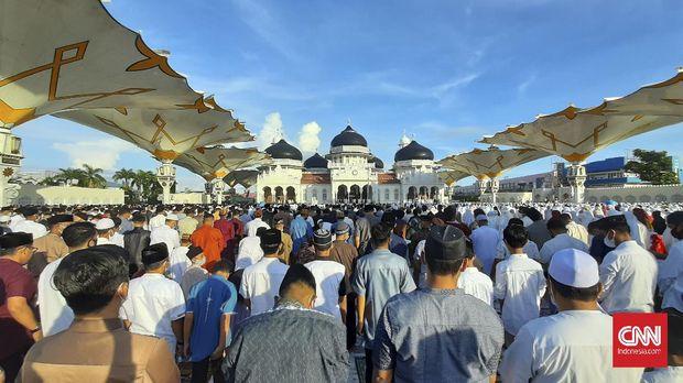 Jamaah shalat id masjid raya baiturrahman Banda Aceh membludak.