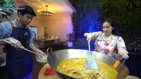 Nagita Slavina Masak Opor Ayam dengan 10 Ekor Ayam Kampung