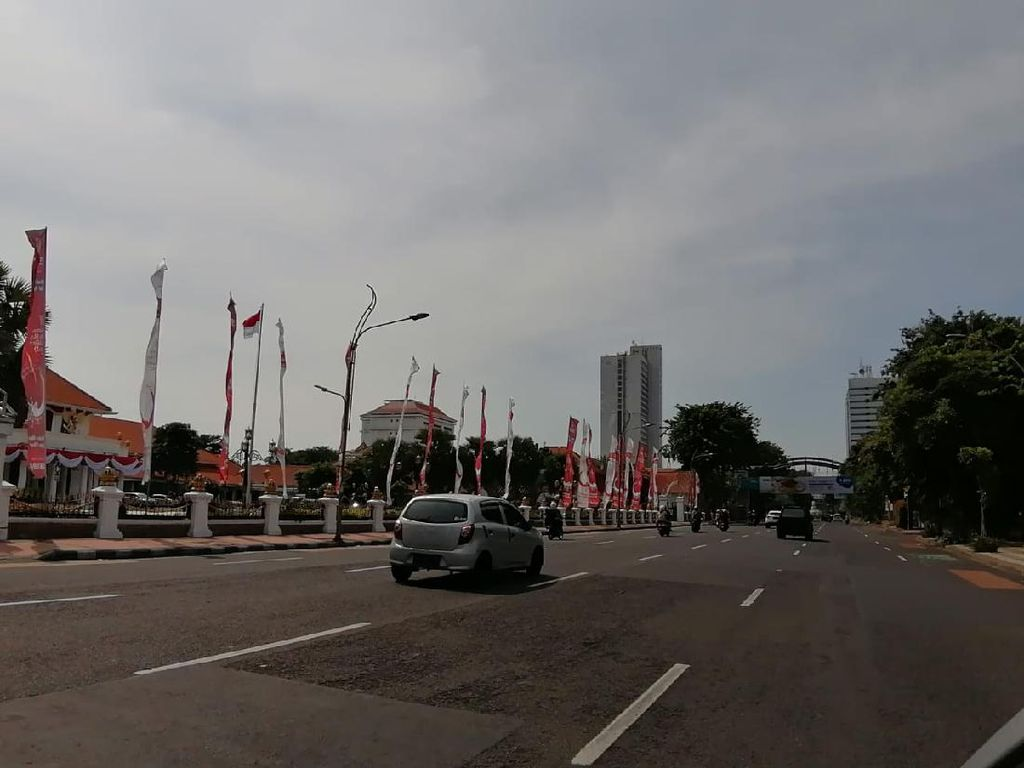 Hari Pertama Lebaran 2021, Jalanan Kota Surabaya Lengang