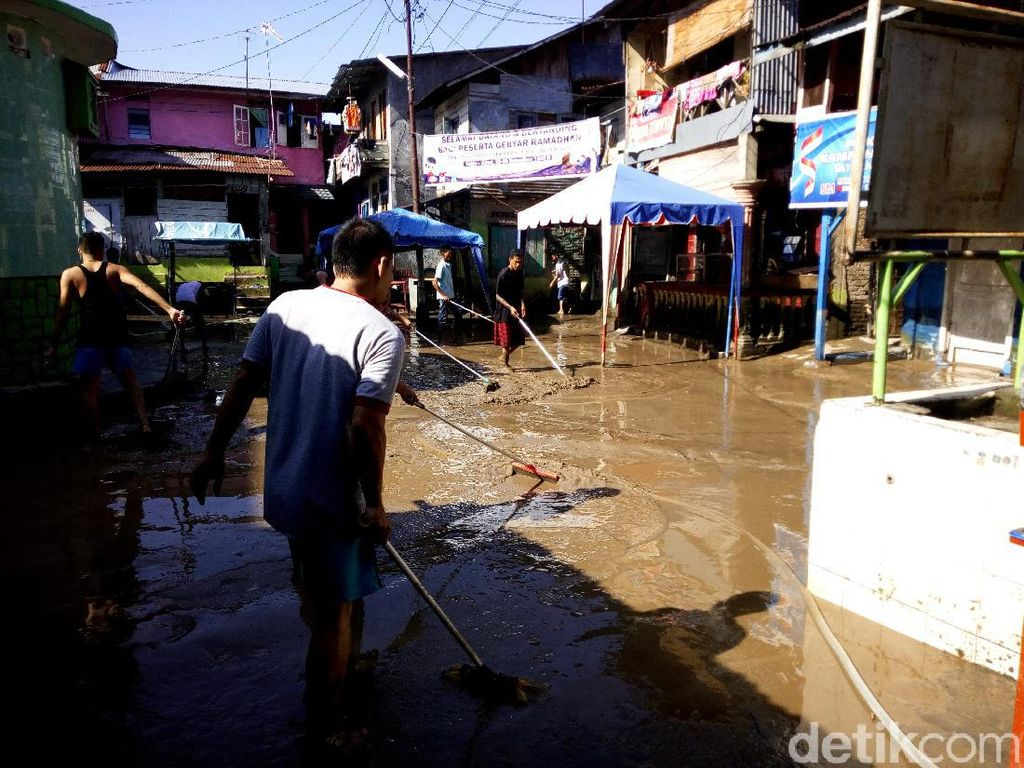 Nasib Warga Medan Kebanjiran di Hari Lebaran