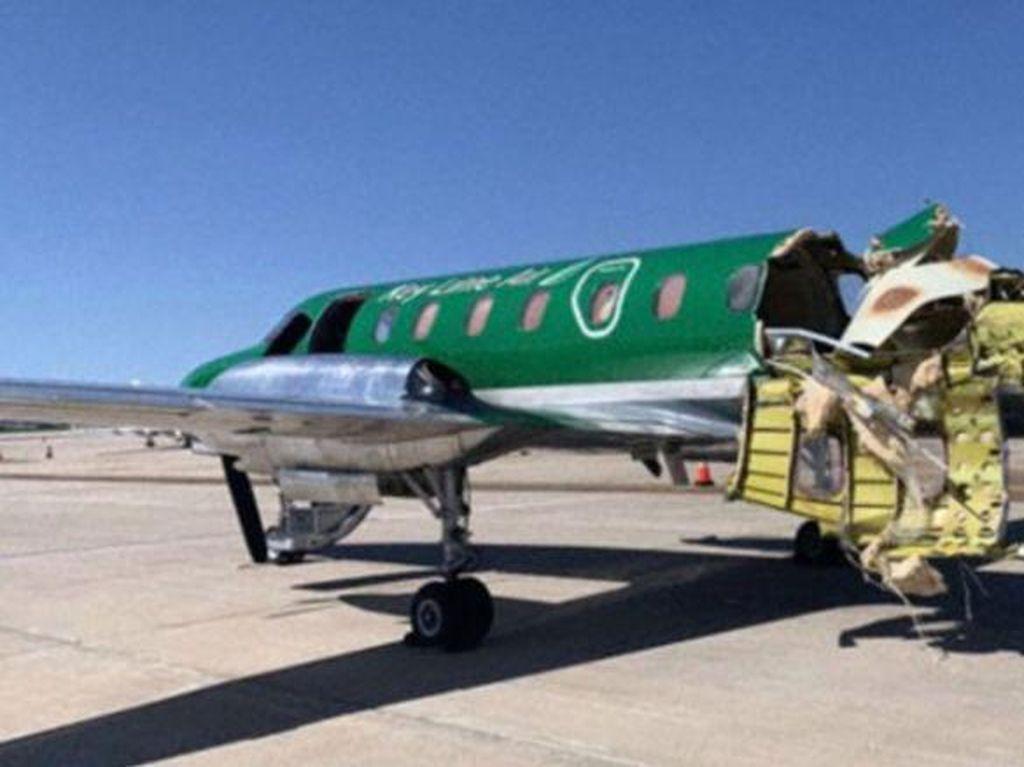 Beda Nasib Pesawat Tabrakan: Melaju dengan Parasut Vs Badan Hampir Putus