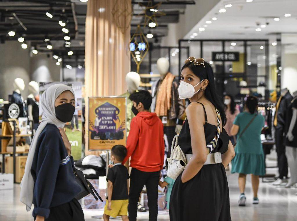 Pusat Perbelanjaan Ibu Kota Ramai di Kala Libur Lebaran
