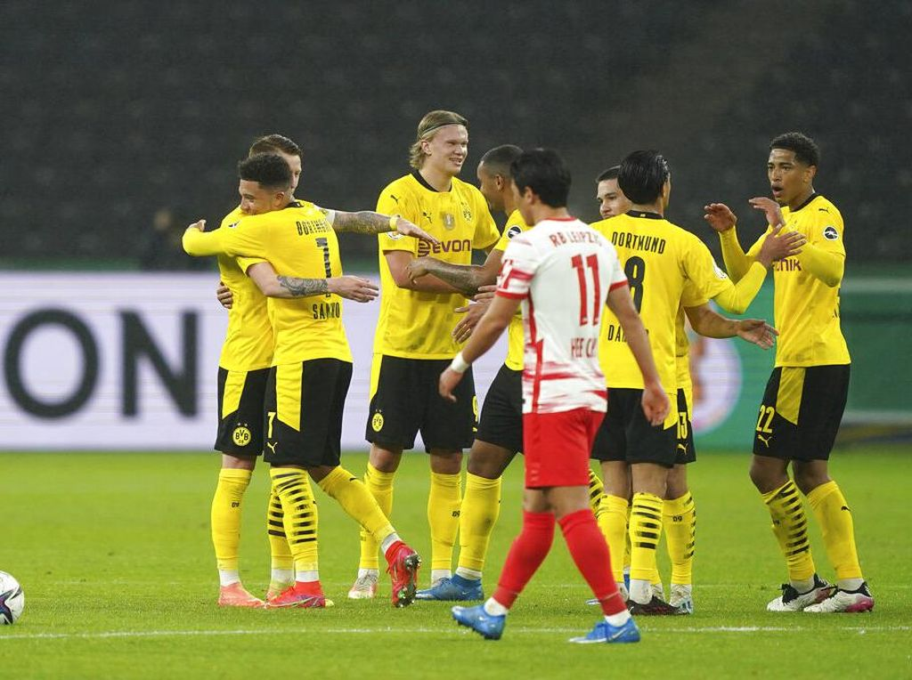 Sikat RB Leipzig 4-1, Dortmund Juara DFB Pokal 2020/2021