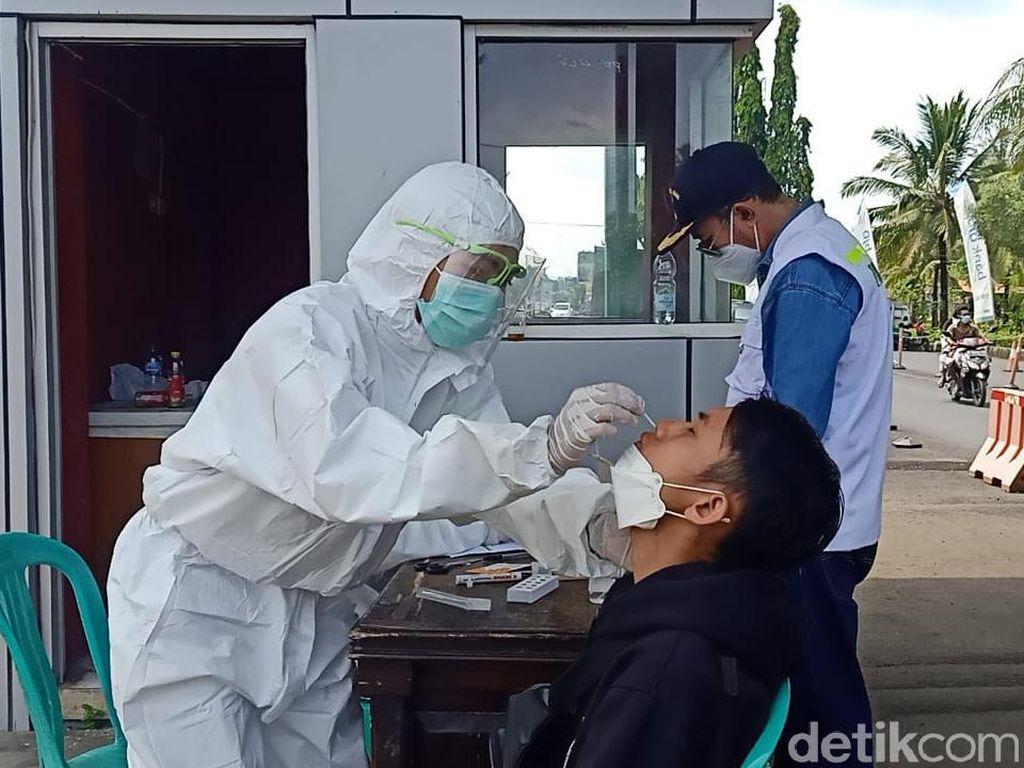 Libur Lebaran di Pangandaran, Wisatawan Jalani Rapid Test Antigen