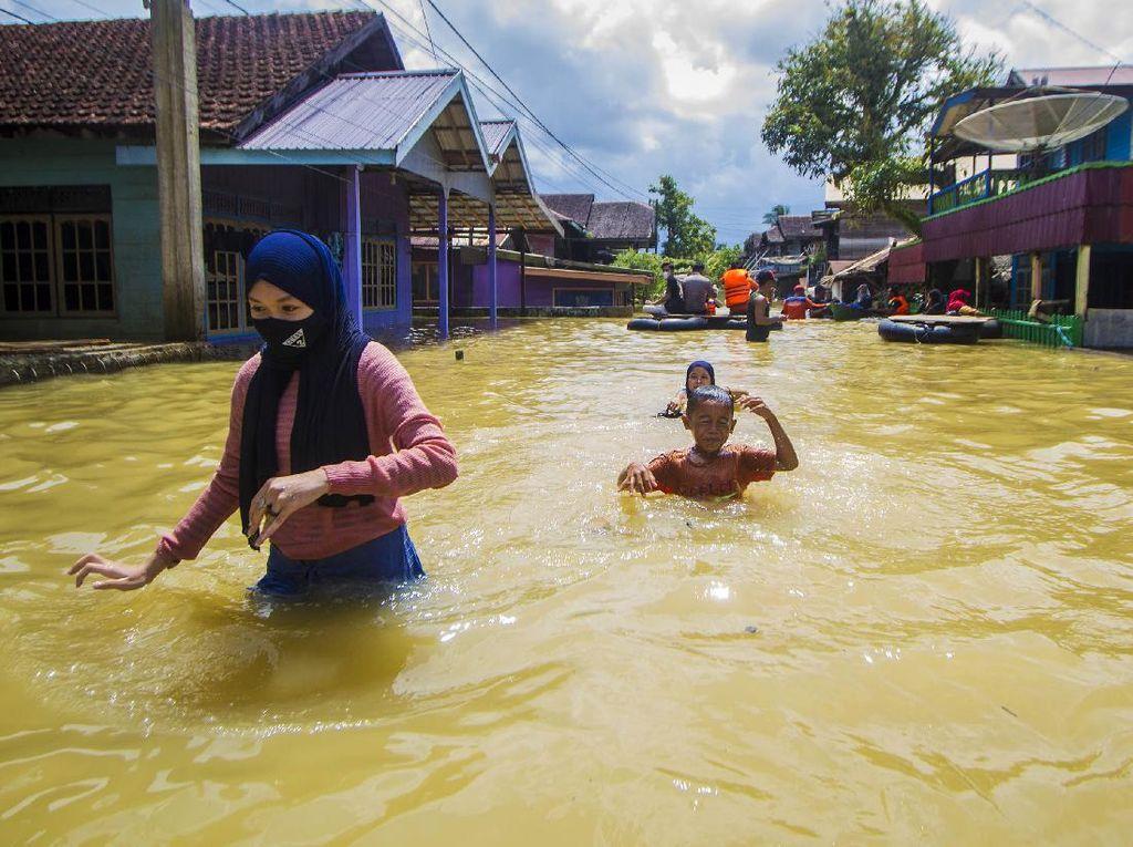 Banjir di Satui Kalimantan Selatan Tewaskan 1 Orang