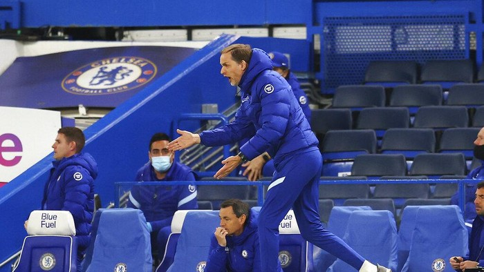 Chelseas head coach Thomas Tuchel gives instructions during the English Premier League soccer match between Chelsea and Arsenal at Stamford Bridge stadium in London, England, Wednesday, May 12, 2021. (Catherine Ivil, Pool via AP)