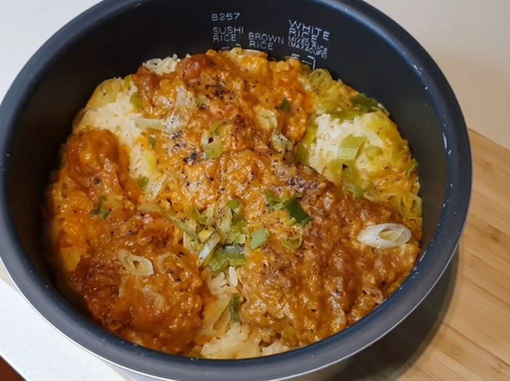 Ayam Gulai McDonalds Viral, YouTuber Ini Bikin Kreasinya Pakai Rice Cooker!