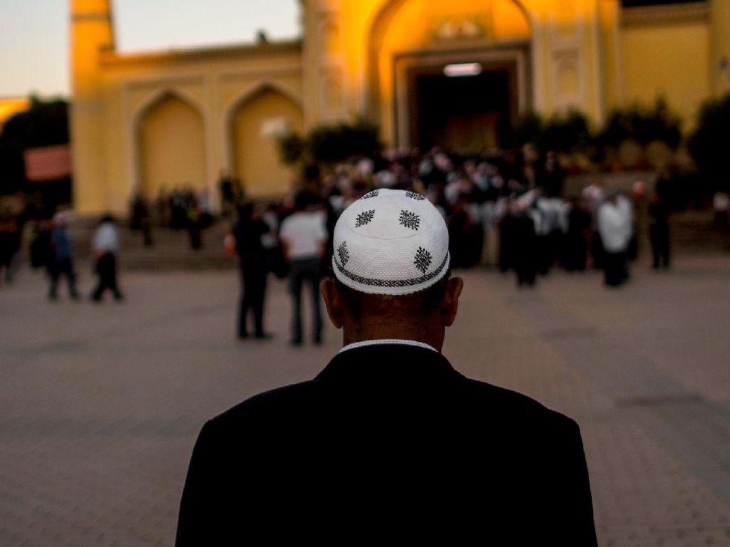 Ratusan Ulama Uighur China Ditangkap dalam Operasi di Xinjiang
