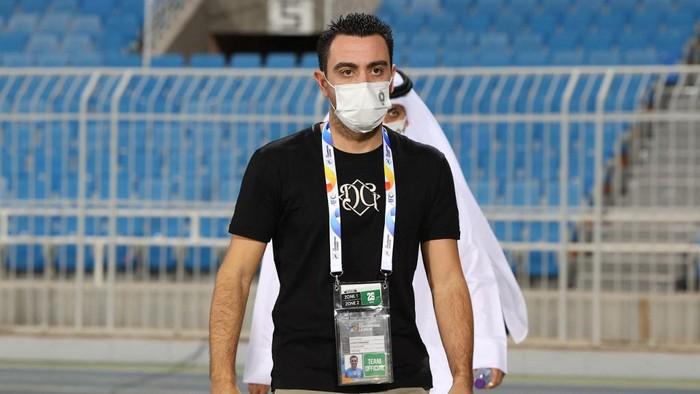 Sadds coach Xavi arrives for the AFC Champions League group D match between Irans Foolad and Qatars Al-Sadd on April 26, 2021, at the Prince Faisal Bin Fahd Stadium in the Saudi capital, Riyadh. (Photo by Fayez Nureldine / AFP)