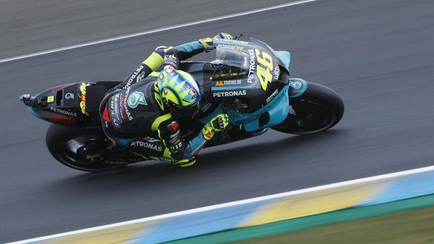 MotoGP - French Grand Prix - Circuit Bugatti, Le Mans, France - May 15, 2021 Petronas Yamaha SRT's Valentino Rossi in action during qualifying REUTERS/Stephane Mahe