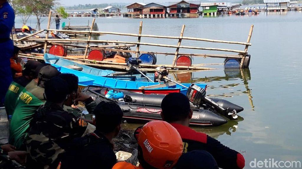 Pencarian Korban Perahu Terbalik di Waduk Kedungombo Terus Dilakukan