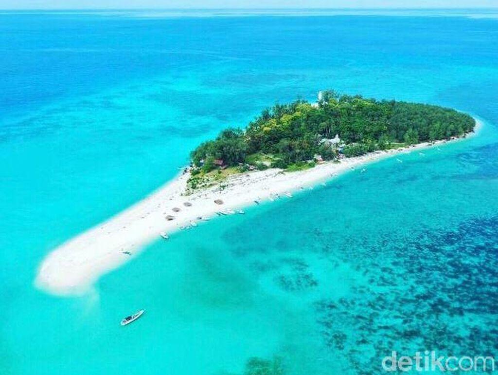 Melihat Lanjukang, Pulau Terluar Makassar yang Jarang Dijamah Manusia