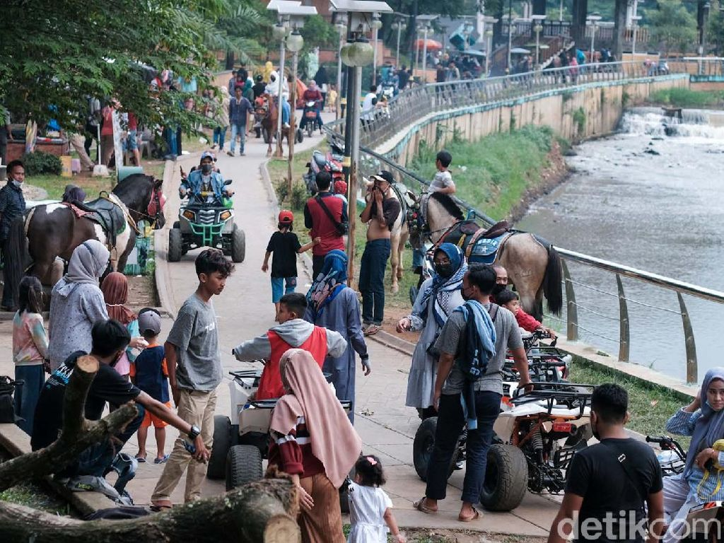 Puncak Libur Lebaran, Taman di Serpong Diserbu Warga