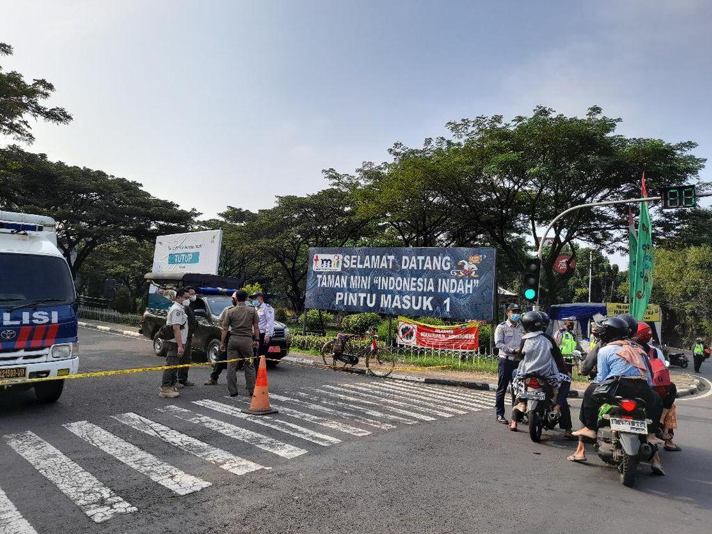 Taman Mini Ditutup Hari Ini, Kendaraan Diputar Balik